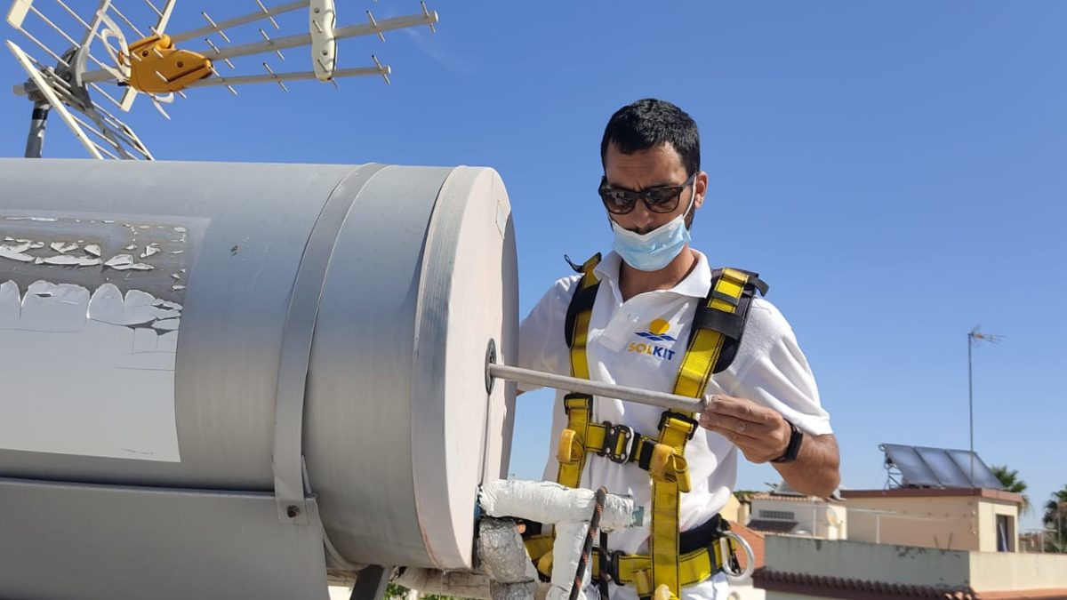 Revisión de equipo de agua caliente